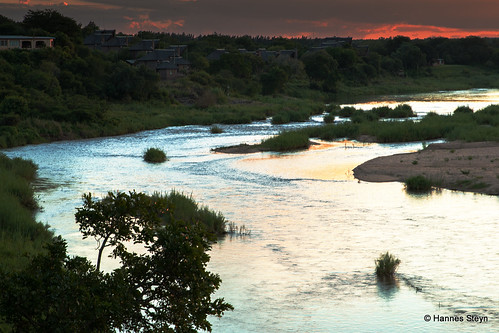africa sunset red sky sun nature canon southafrica landscapes scenery dusk lodge rivers mpumalanga crocodileriver ngwenya 70d ngwenyalodge hannessteyn canoneos70d tamronsp2470mmf28divcusd