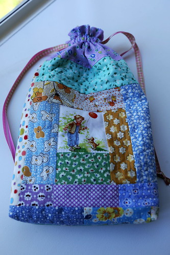 A log cabin quilted bag