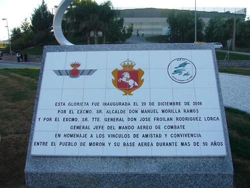 MONUMENTO AL F-5 EN EL PUEBLO DE MORÓN DE LA FRONTERA (SEVILLA)