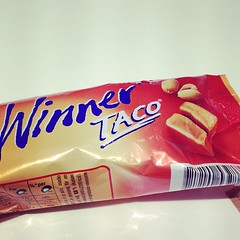 chocolate bar(1.0), confectionery(1.0), food(1.0), chocolate(1.0), snack food(1.0),