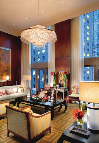 hong-kong-suite-mandarin-suite-living-room-01.jpg