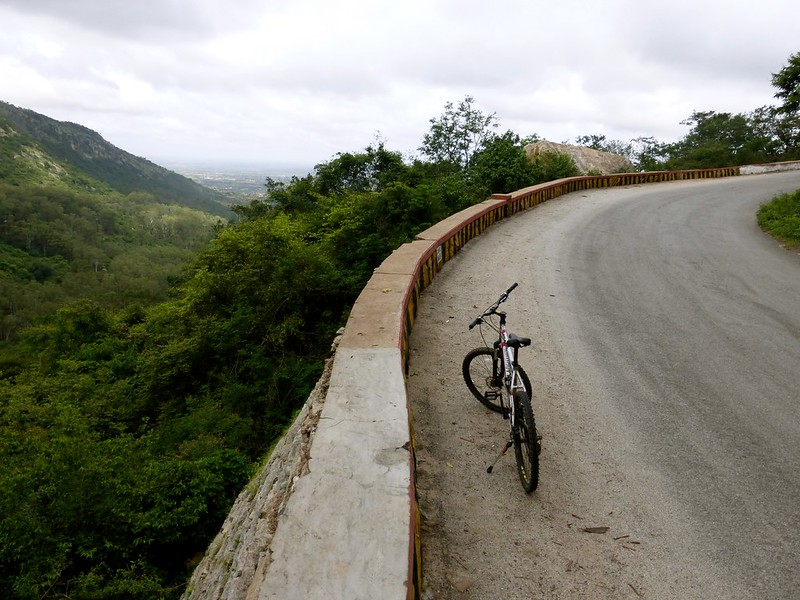 Cycling to Nandi Hills - the climb