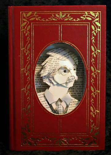 Mark Twain book sculpture portrait