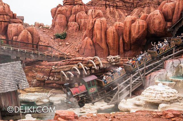 Tokyo Disneyland - Adventureland / Western River Railroad