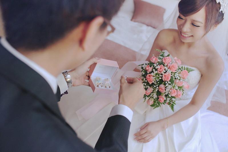 婚禮攝影,婚攝,婚禮紀錄,台北攝影,攝影工作室,結婚攝影,新竹攝影,婚禮攝影師,婚攝推薦,海外婚禮' title='Wedding CinaCapture為位於台北地區的攝影工作室,以故事性的攝影方式,提供婚禮攝影及婚禮紀錄服務