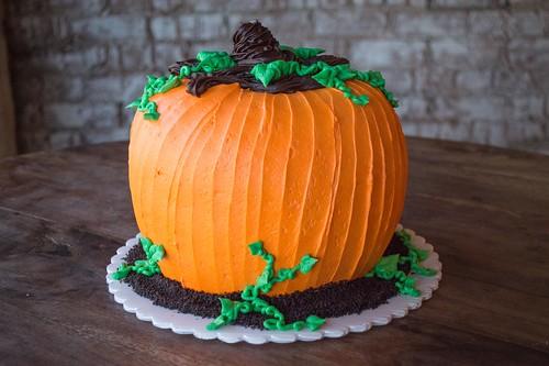 Large Pumpkin Cake