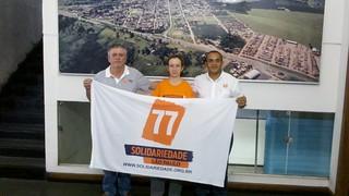 Nilcéia Gazzola, presidente da Secretaria da Mulher do Solidariedade de Echaporã (SP) (SP), entre os coordenadores regionais Sandoval Fernandes e Fábio Pereira