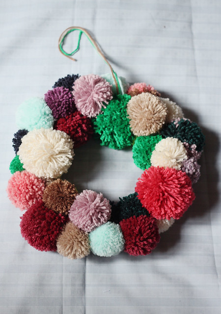 couronne-pompons3