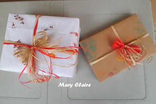 pacchetti regalo con carta foglie