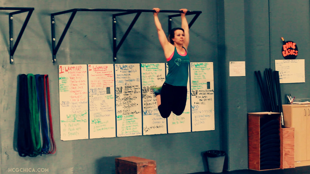 crossfit-female-kipping-pull-up-hcg-diet-web