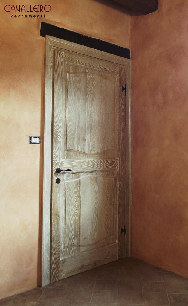 Foto porte interne in legno massiccio for Porta interna bianca con vetro