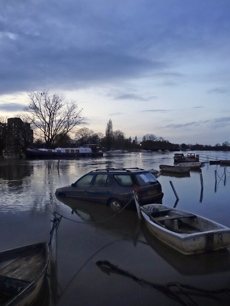 Thames-flooding-Feb-2014-x