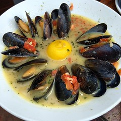 animal, clam, seafood, invertebrate, bouillabaisse, food, dish, cuisine, clams, oysters, mussels and scallops, mussel,
