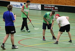 floor hockey(1.0), sports(1.0), floorball(1.0),