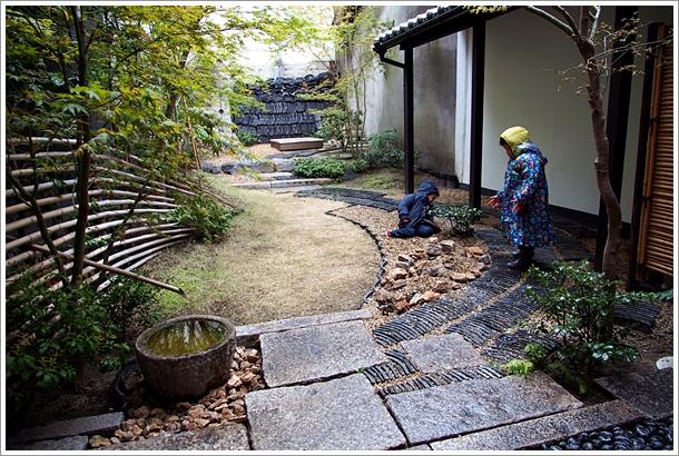 0406_雨天後院玩