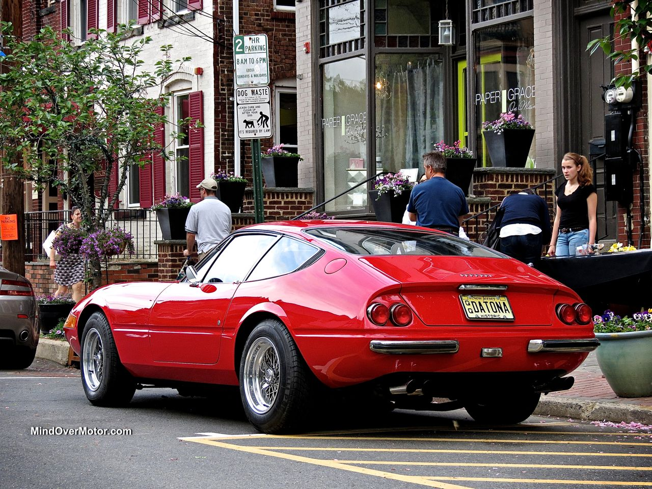 Ferrari 365 Daytona rear view