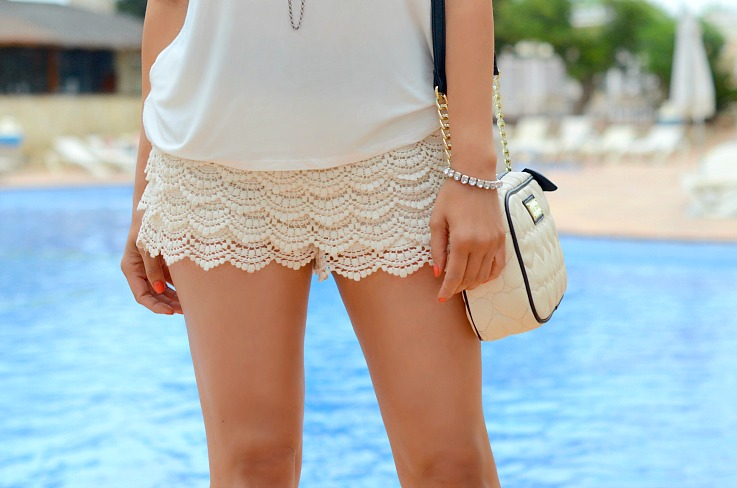 DSC_2387 Lace shorts, Betsy Johnson bag, Ibiza, All white outfit