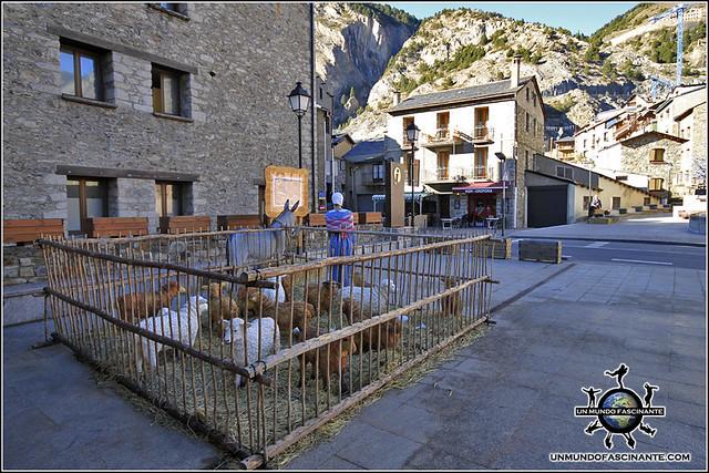 Plaza de Canillo, Canillo. Andorra.