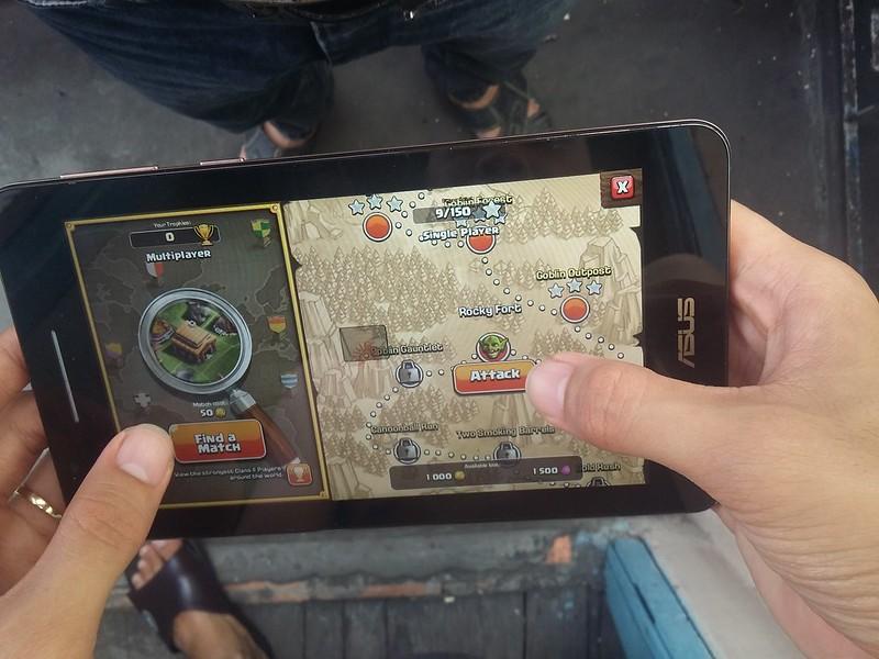 Trải nghiệm chơi game giải trí cùng Asus Fonepad FE171CG - 85093