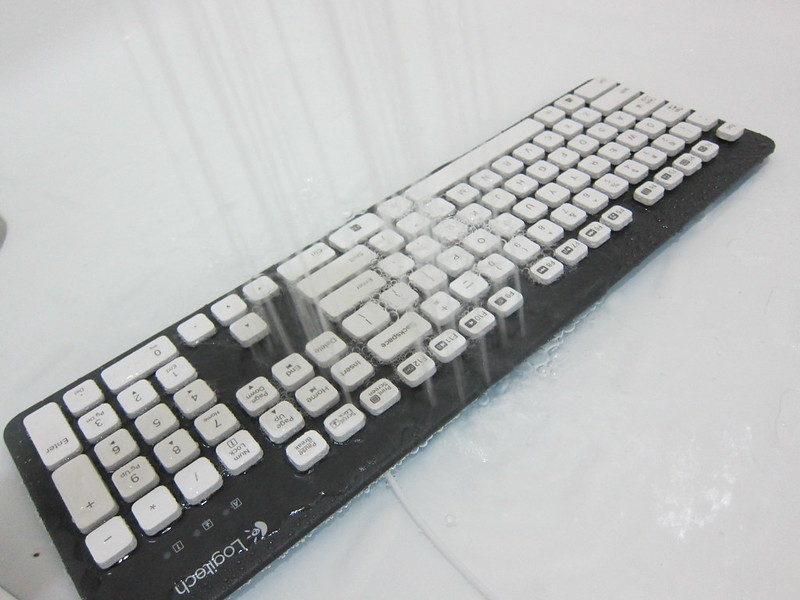 Logitech K310 Washable Keyboard - Giving It A Shower
