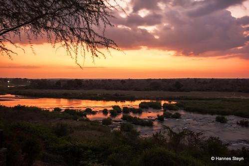 africa sunset red sky sun nature water canon southafrica landscapes scenery dusk lodge rivers mpumalanga crocodileriver ngwenya sigma1020mmf456exdchsm 550d ngwenyalodge hannessteyn canon550d eosrebelt2i