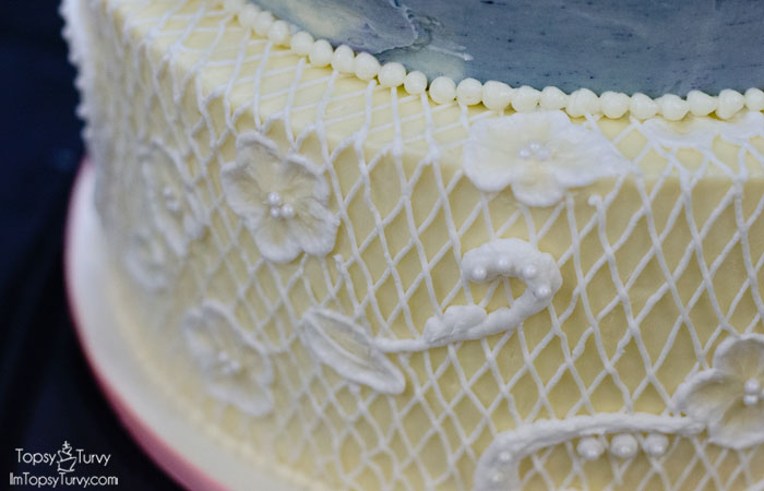 lace-buttercream-wedding-cake