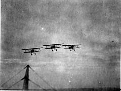 AL009A_107 Curtiss F6C-3 formation