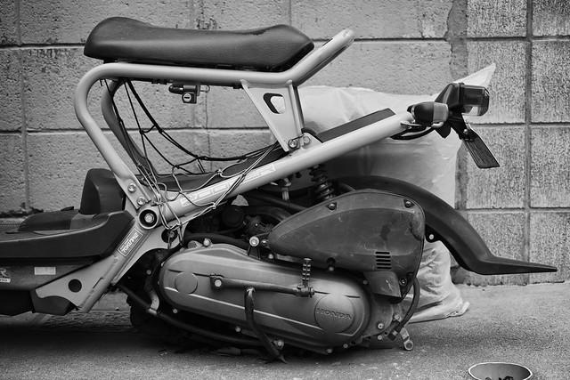 20131224_04_Scrap of Honda Zoomer