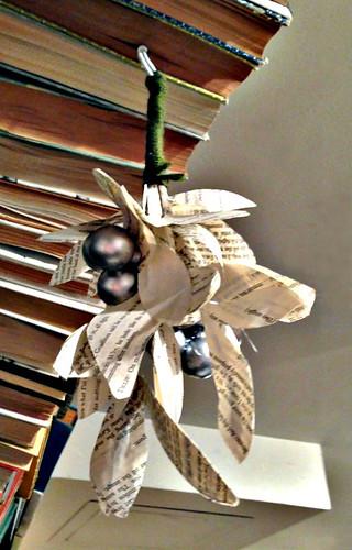 paper-mistletoe