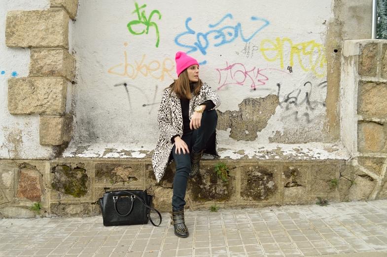 lara-vazquez-madlula-fashion-blog-style-pop-of-pink-look