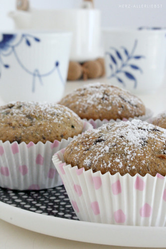 Zucchini hazelnut muffins