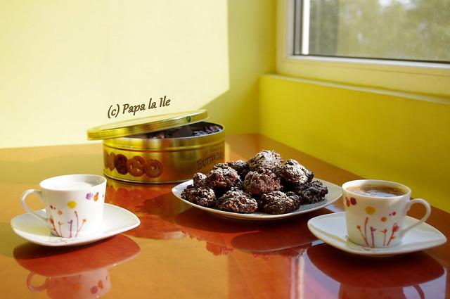 Biscuiti cu nuca si cacao (1)