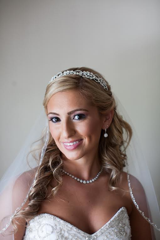 Fay wearing her veil and crystal headpiece by Bridal Styles Boutique-003