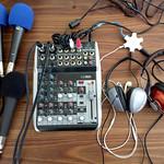 4マイク+5ヘッドフォンの音声収録機材