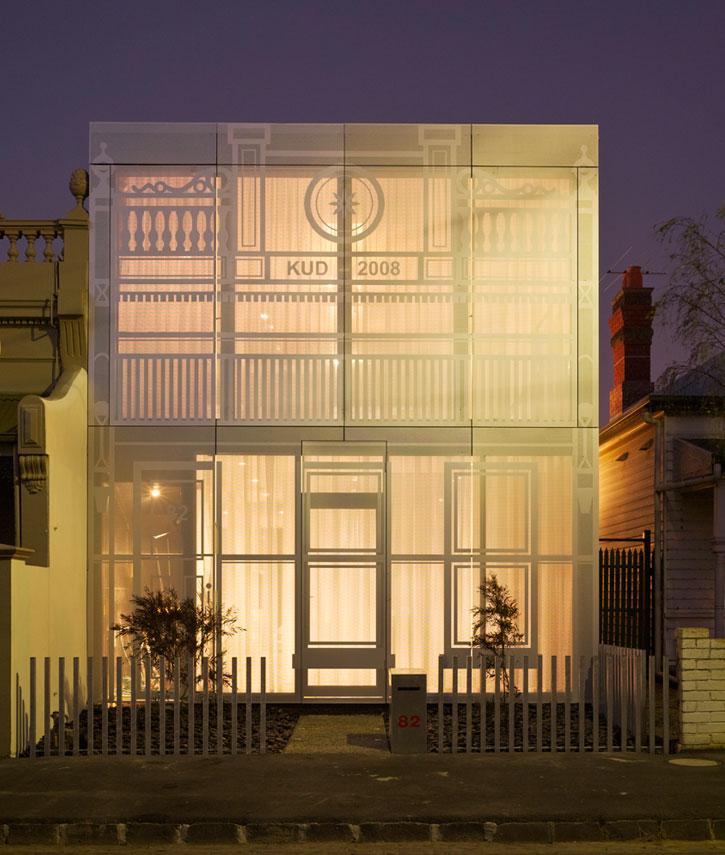 Perforated_House_by_Kavellaris_Urban_Design_yatzer_3
