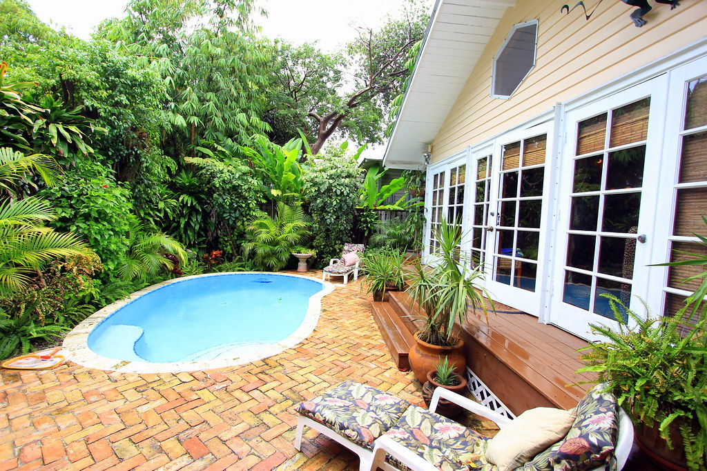 906 Florida Street The Meadows Area Key West