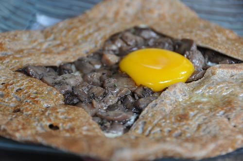 Pandekage med svampe og æg