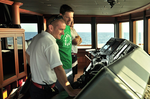 On the bridge, First Officer Josh and Professor Todd Humphreys discuss the ECDIS.