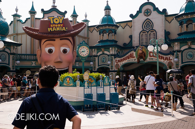 Toy Story Mania - Morning Fastpass Madness - Lines and lines