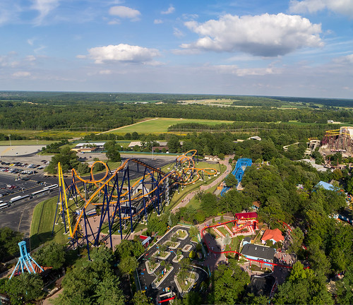 volcano amusementpark rollercoaster coaster kingsdominion dominator cedarfair woodstockexpress planetsnoopy