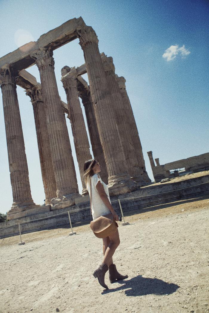 street style barbara crespo athens greece travels holidays cruise parthenon acropolis