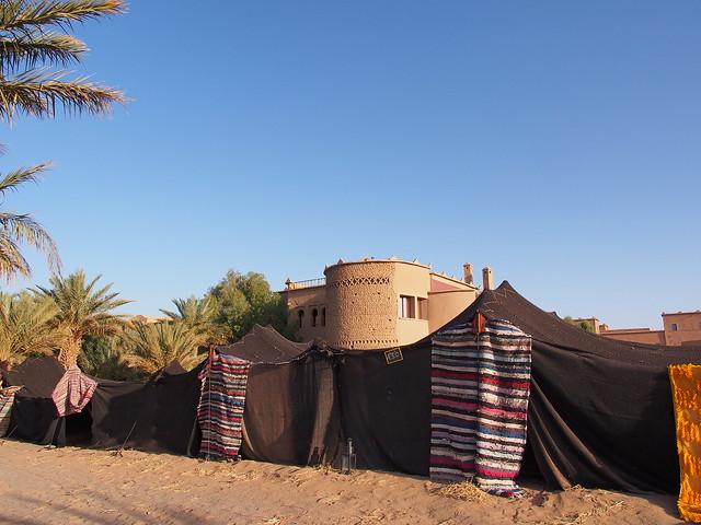 旅館的帳篷