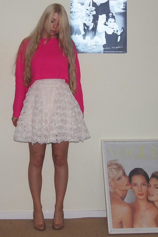 Sam Muses, UK Fashion Blog, London Style Blogger, How to Wear, Styling Ideas, Forever 21, Neon Cropped Jumper, Waffle Knit, Sweater, Pink, Hot, Shocking, Primark, High-Waisted, Mini Skirt, Boohoo, 3D Floral, Marks & Spencer, M&S, Nude Court Shoes, Patent