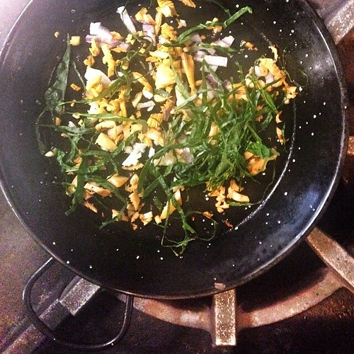 Next up in our Superfood Series: Get Your Green On... Chantrelle mushroom, kale & red onion frittata