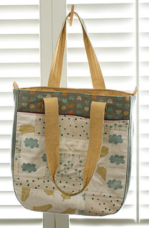 cloud burst :: super tote
