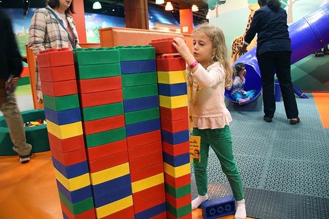 Lego_Aut-bldg-her-BIG-house