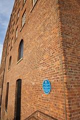 Photo of Alliott Verdon Roe, Humphrey Verdon Roe, and Avro blue plaque