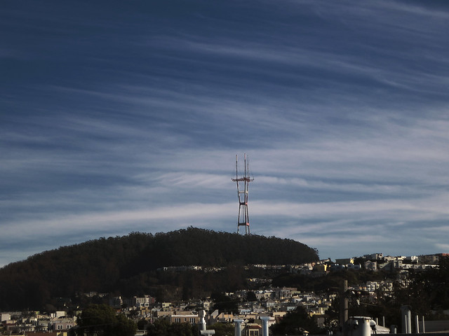 cirrus clouds over Sutro Tower, POV The Sunset, San Francisco (2014)