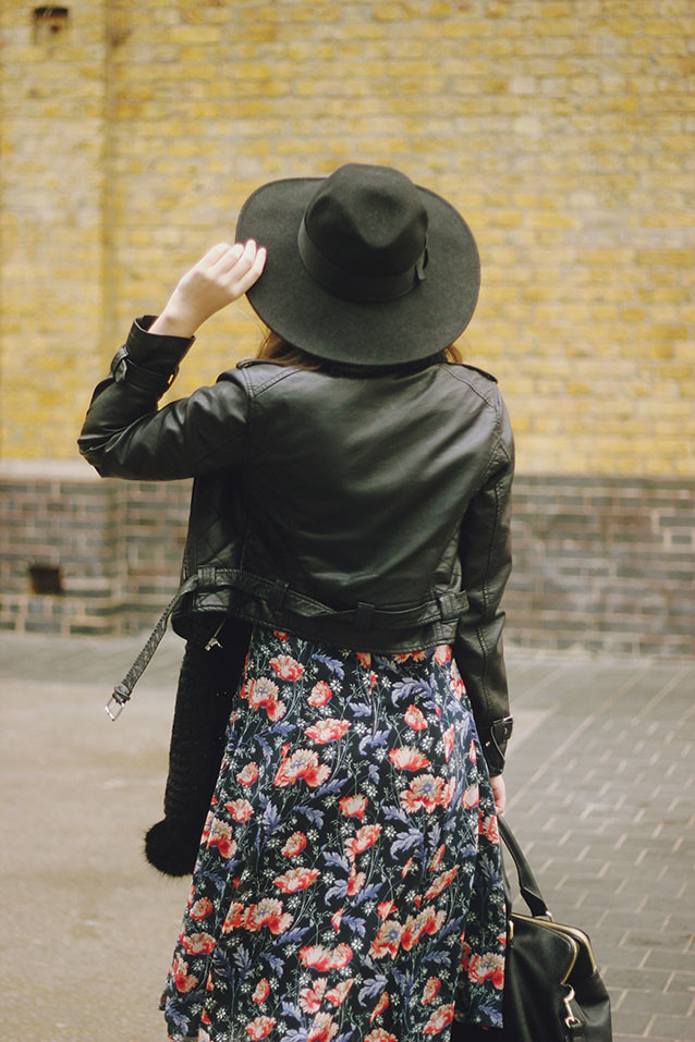 Zara floral dress fedora seventies look