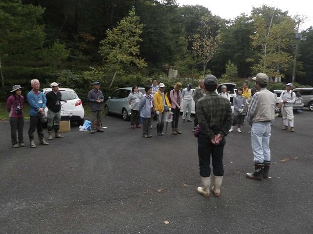 聖湖キャンプ場に参集した,大勢の参加者.